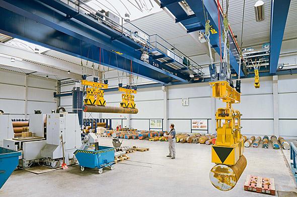 Processkranar för stålhantering i arbete